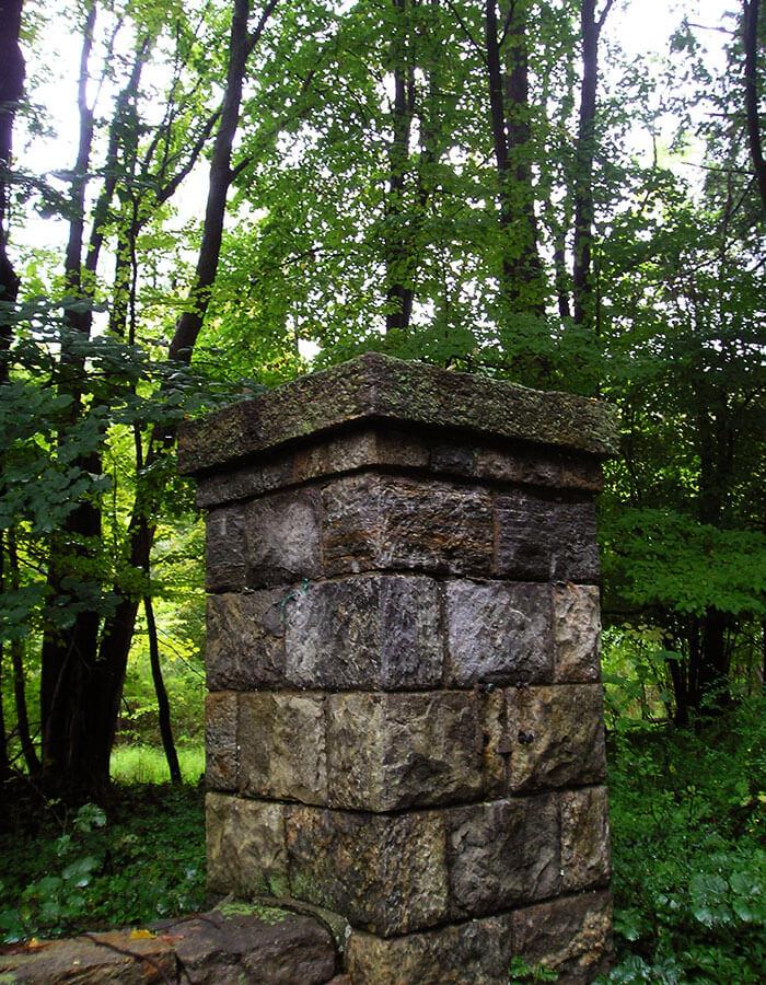 Pillar Photo 4